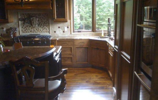 Beautiful kitchen with wrap-around sitting bar